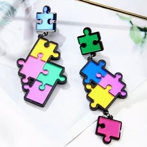 Jewelry - 🆕 Puzzle Earrings